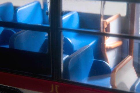 Tomica-Limited-Vintage-Neo-Hino-Blue-Ribbon-Tokyo-Bus-006