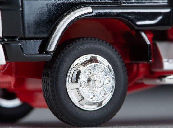 Tomica-Limited-Vintage-Neo-Hino-Ranger-KL545-Panel-Van-Black-005