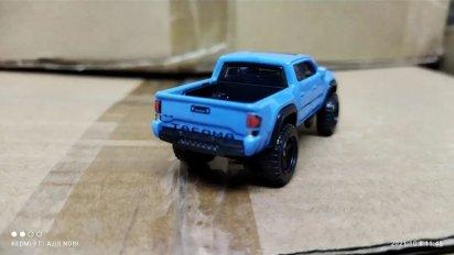 Hot-Wheels-2022-2020-Toyota-Tacoma-006