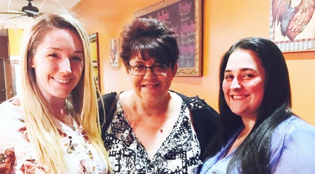 Hounds Town Farmingdale Celebrates 3 Successful Years