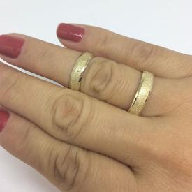 Par de Alianças Diamantada + Polido Ouro 18k
