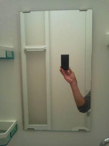 お風呂場鏡ウロコ