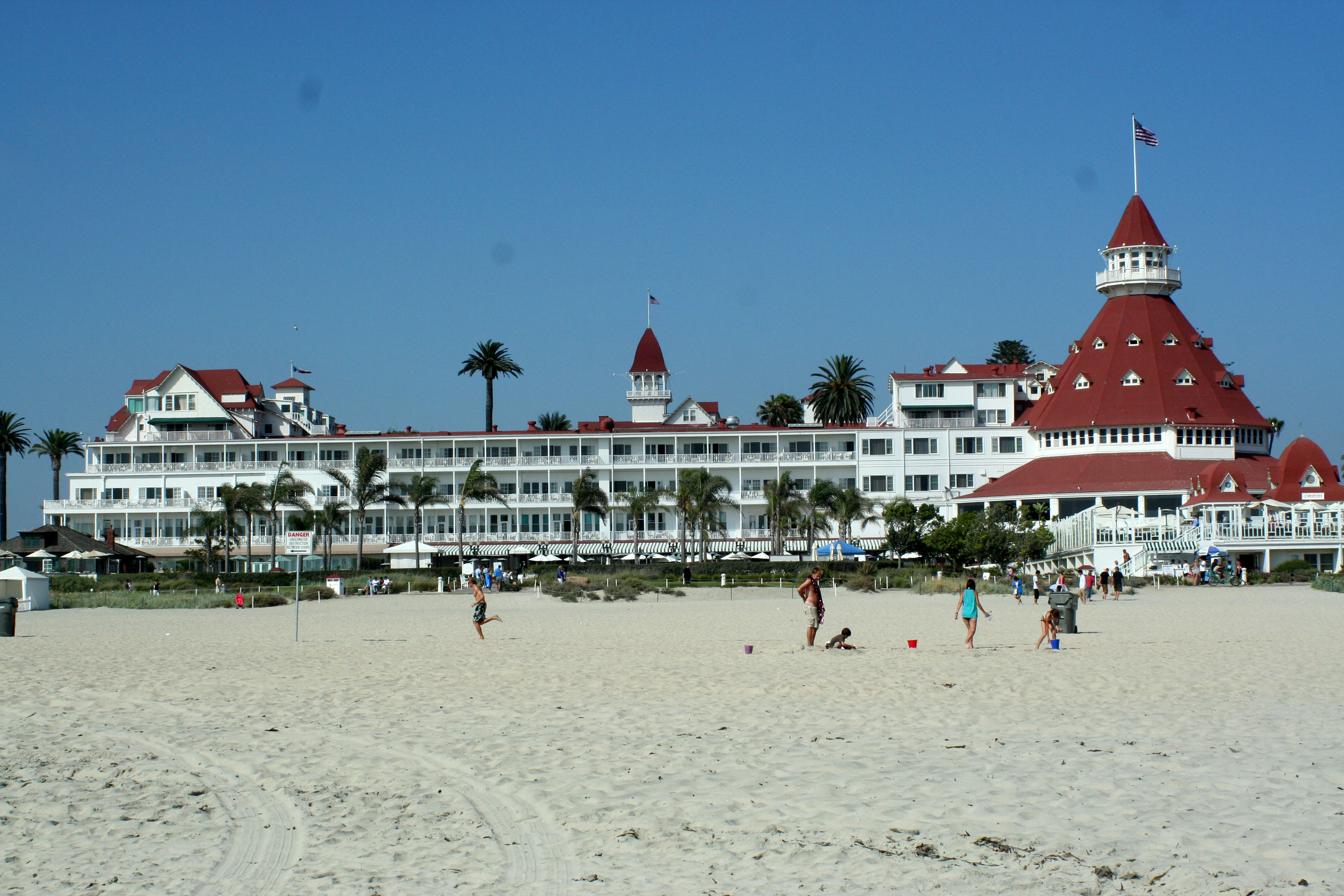 Image result for hotel del coronado some like it hot