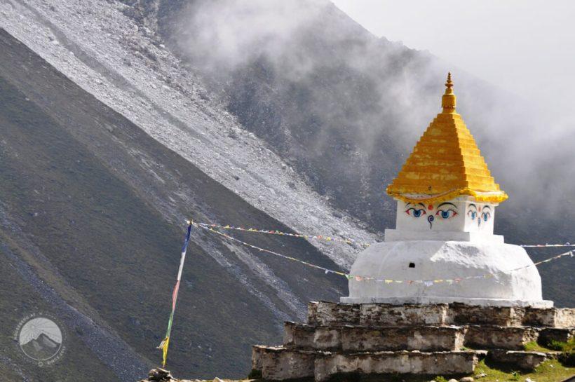 Stupa in Dingboche