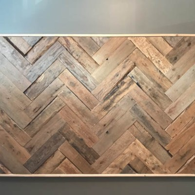 How to Build an Easy and Inexpensive DIY Pallet Wood Headboard