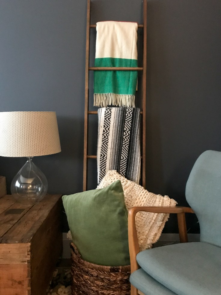 Easy Do It Yourself Wood Blanket Ladder Tutorial