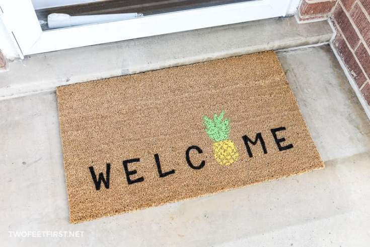 DIY Welcome Pineapple Doormat | Personalized Doormats