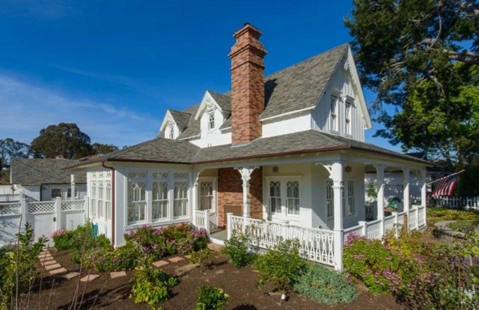 Large Cape Cod House Plans