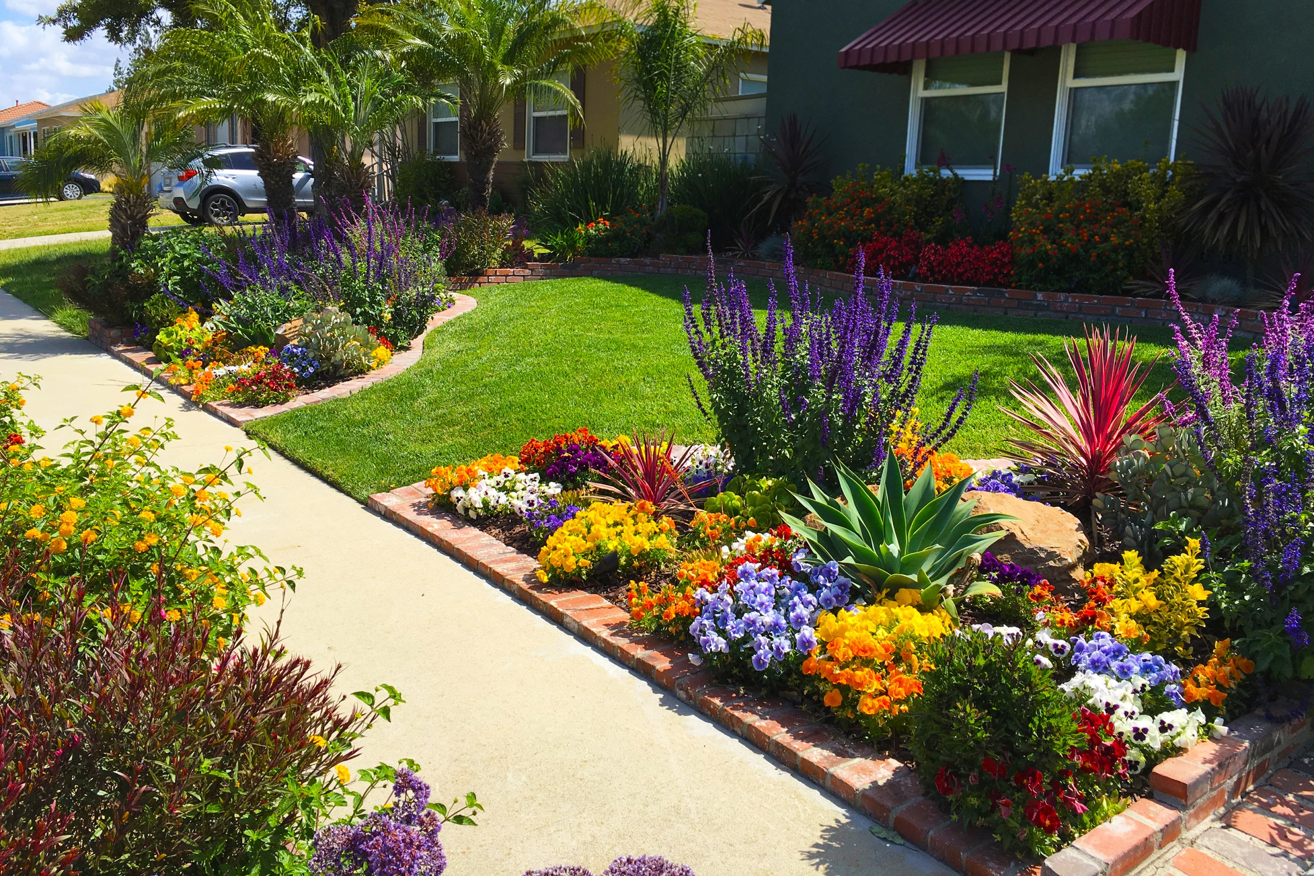 Front Yard Landscaping Ideas for Curb Appeal | HouseLogic on Backyard Landscaping Near Me id=84153