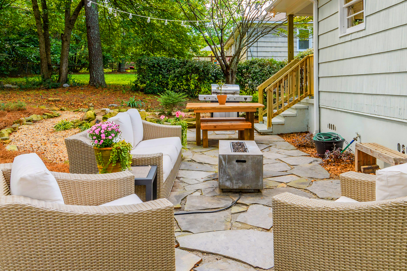 makeover ideas small backyard landscaping
