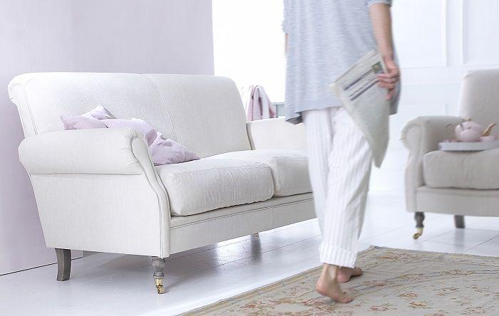 spostare divano sala
