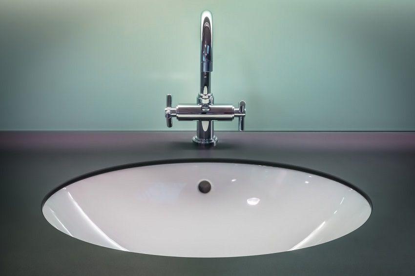 Rubinetti led linnovazione lavarsi le mani con acqua colorata