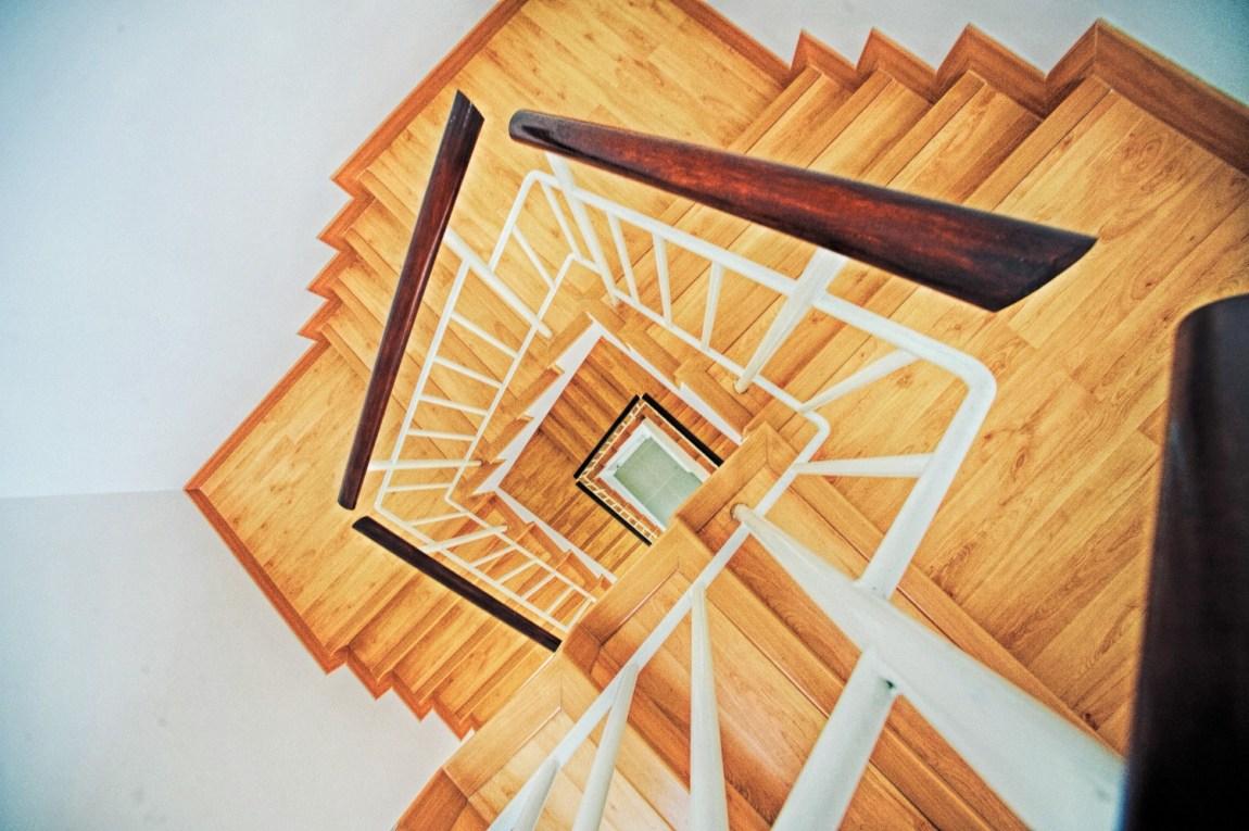 scale interni legno