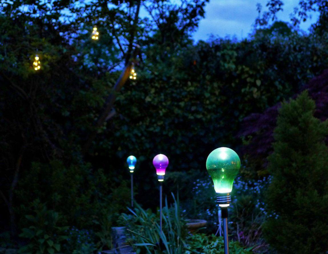 illuminazione giardino notte