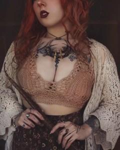 Sexy redhead cosplay: @felvae