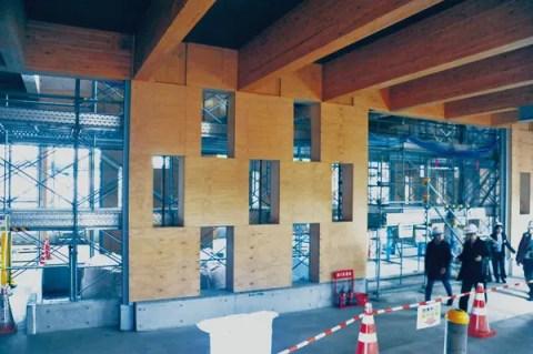 建築中の新研究棟