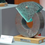 rolls-royce-learning-and-development-award-north-american-graduate-glass-steel-sculpture