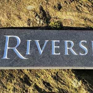 Riverside-slate-plaque-in-Trajan-font-closup
