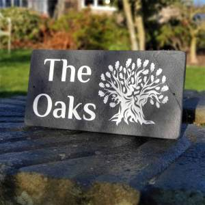 The-Oaks-slate-plaque-in-Philosopher-Bold-font
