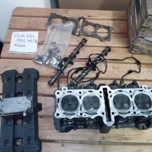 Suzuki Gsxr 750- 1100 anni 90 ricambi In blocco