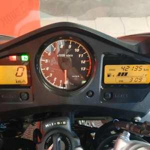 Honda VFR 800 F V4 V TEC
