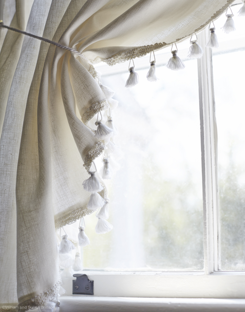 HOB_PotteryBarn_YD_Curtains_Hanging_Inset