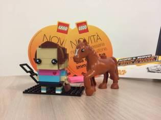 I materiali In-store e i cavalli sono le sue due pió grandi passioni! -Ilaria In-Store Manager-