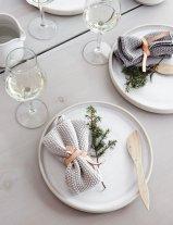 Christmas Table Setting Inspiration 07