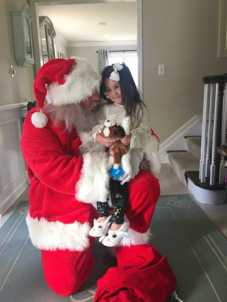 """""""Santa is real"""", a beautiful Christmas Story featured by top New Jersey life and style blog, House of Leo"""