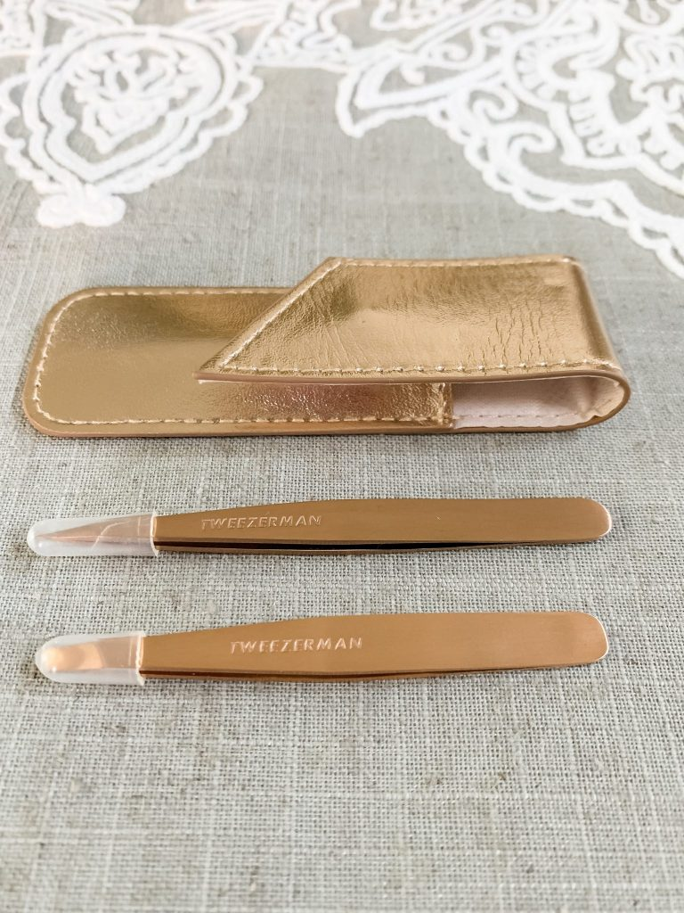 Gifts for Mother's Day with Tweezerman by top US beauty blogger, House of Leo Blog: image of Tweezerman rose gold tweezer set