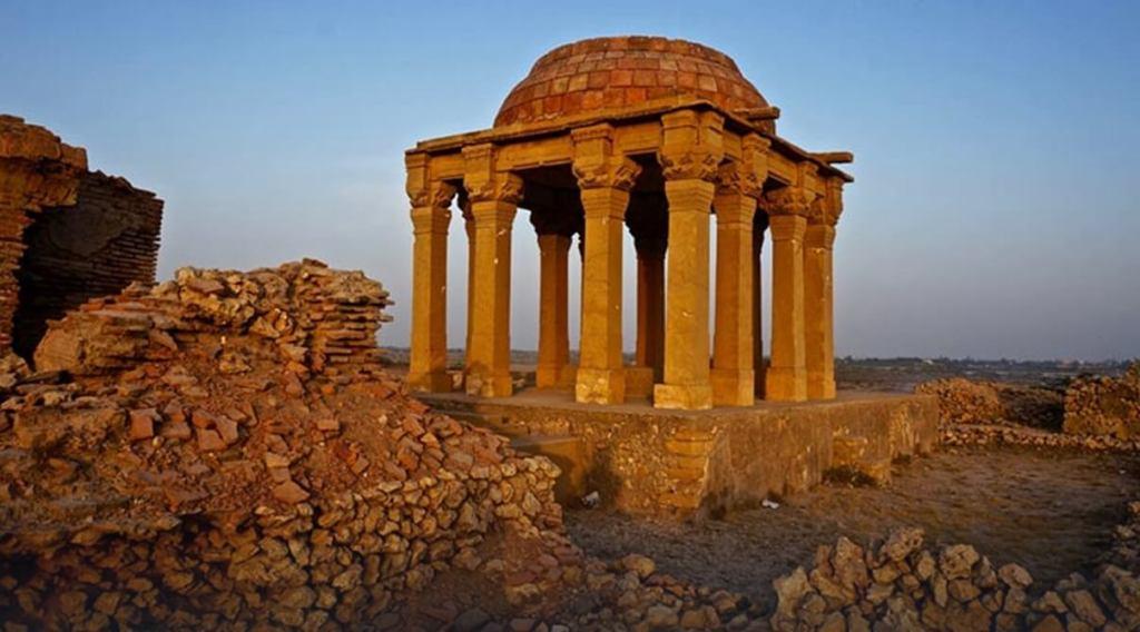 makli necropolis, graveyard, sufi graves