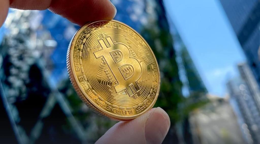 invest in Bitcoin, What is bitcoin? What is cryptocurrency?