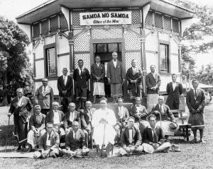 Mau_leaders_and_Tupua_Tamasese_Lealofi_III_in_front_of_Mau_office_1929
