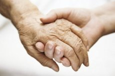 10 Warning Signs that Aging Parents Need Assistance