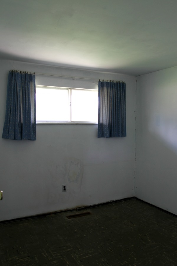 flip house bedroom 1