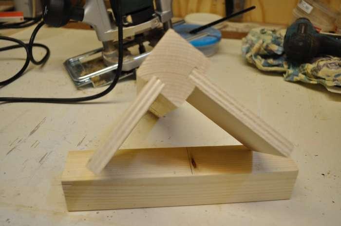 Een zwevende tafel voor een kolomboor het maken van de for Tafelblad maken