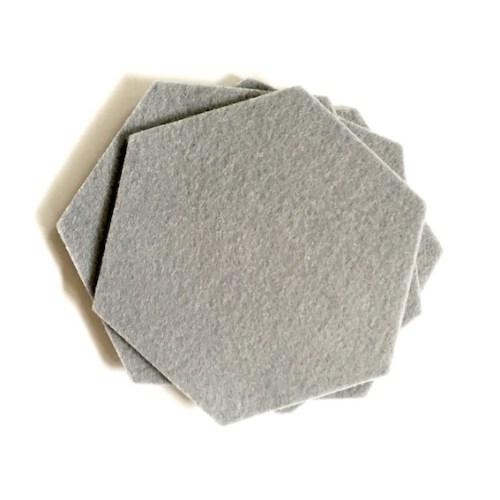 deze hexagon onderzetters van vilt zijn wasbaar en hittebestendig