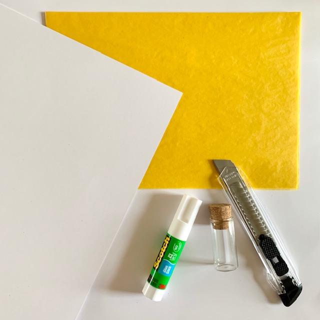 woonaccessoires van geel honingraatpapier om zelf te maken