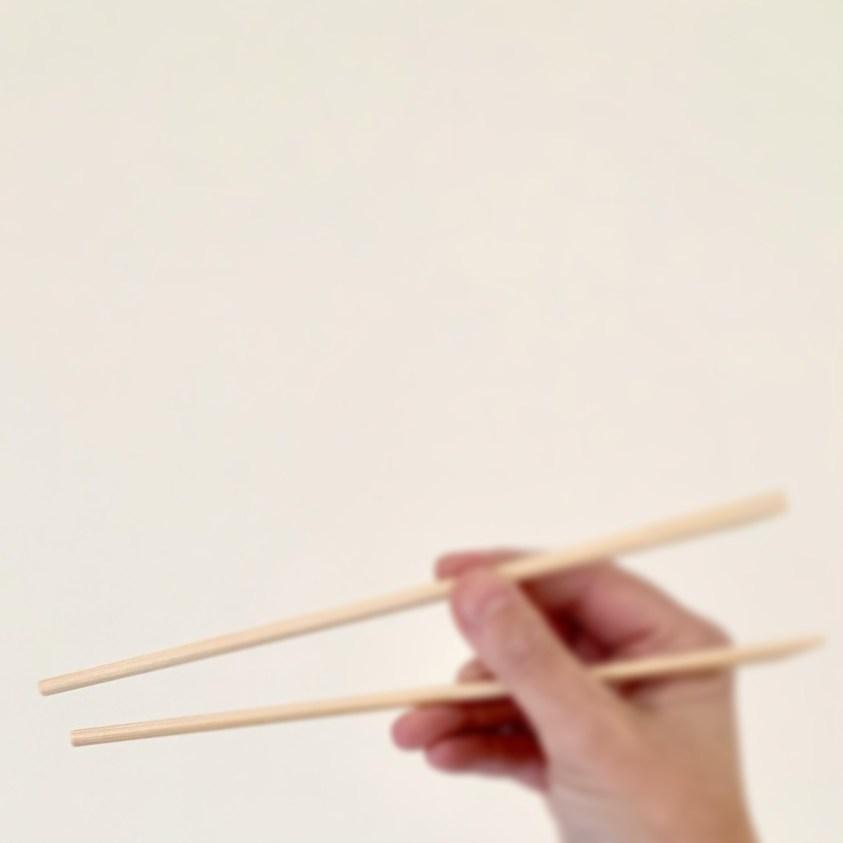 wat te doen met eetstokjes: ik maak daar wandhanger sushi mee!