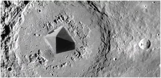 Очевидно, это сооружение не может быть прихотью природы на Луне.