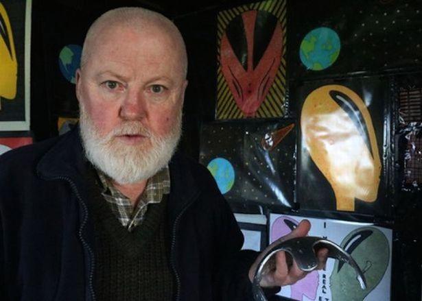 Джерри Батлс, местный житель Килидмо, был похищен инопланетянами в 2001 году.