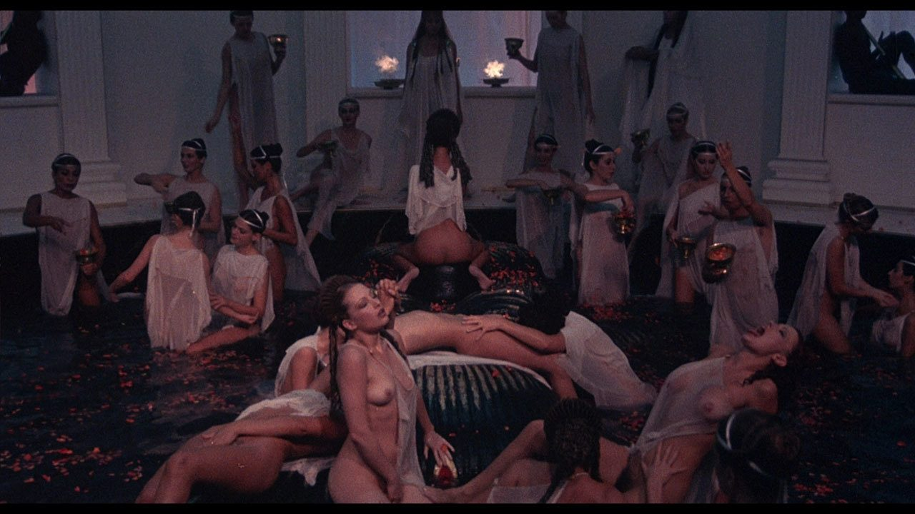 Film porno caligula parties