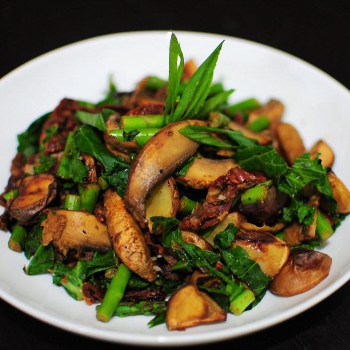 Portobello mushroom, potato and asparagus bowl