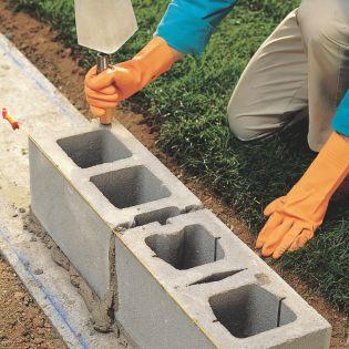 How to Lay Concrete Block4