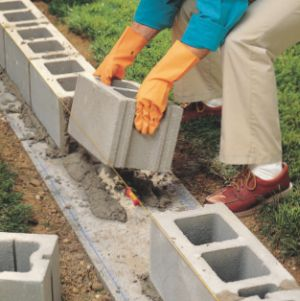 How to Lay Concrete Block5