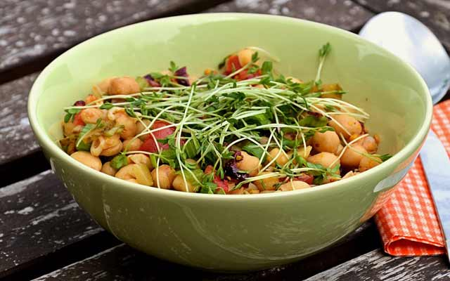 Chickpea Salad Served with Red Pepper