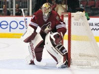 NHL: Vancouver Canucks at Phoenix Coyotes