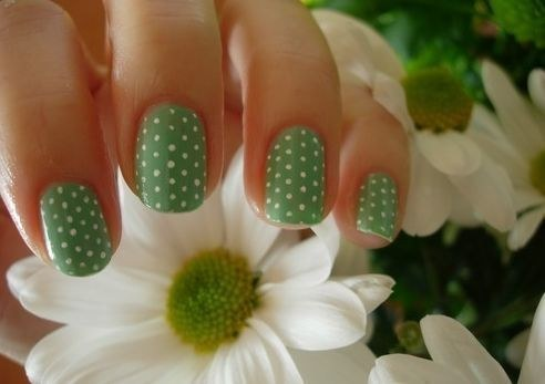 Green Polka dots Nail Art