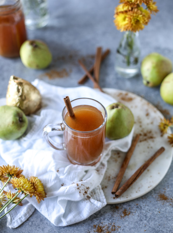 Non-Alcoholic Drinks for Thanksgiving - Pear Cider | http://www.roseclearfield.com