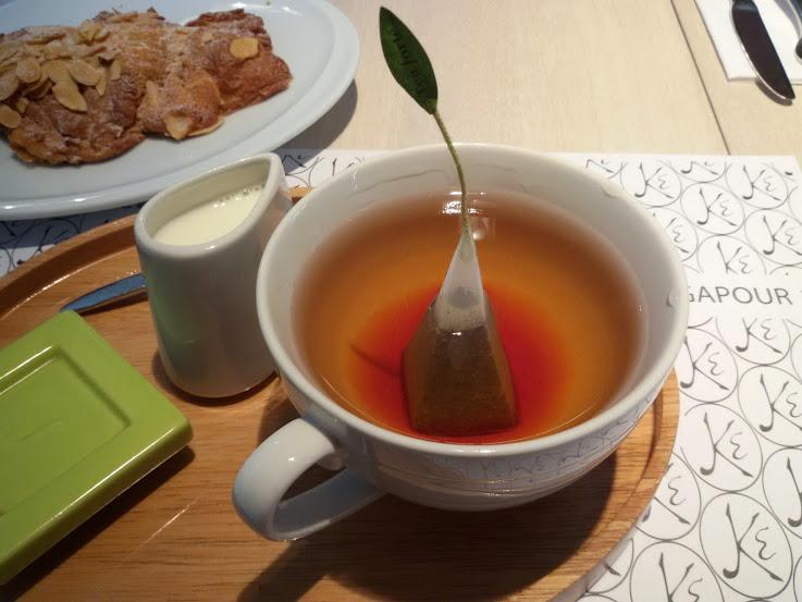 Eric Kayser Bogotá bakery tea